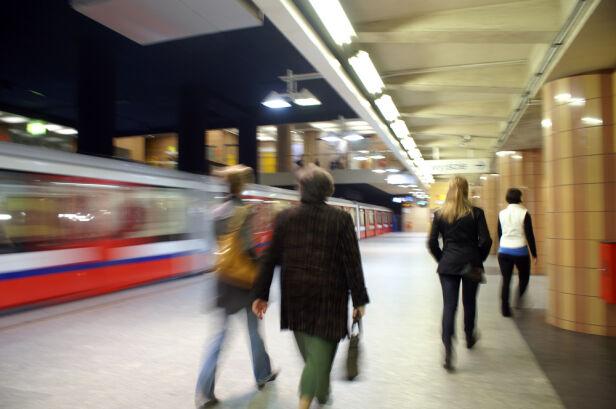Metro w Warszawie (zdjęcie ilustracyjne) Shutterstock